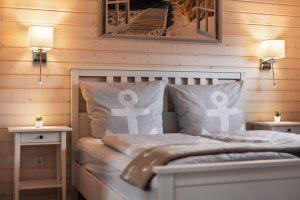 Schlafmöglichkeit für bis zu 6 Personen, gemütliche Einrichtung im Ferienhaus Küstenzauber
